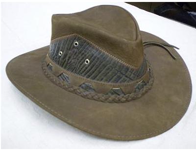 Compro Chapéus de Couro (marca Cury