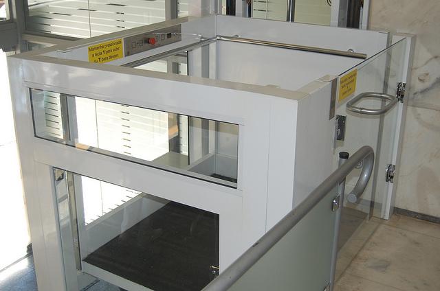 Compro Plataforma Elevatória Vertical para Acessibilidade