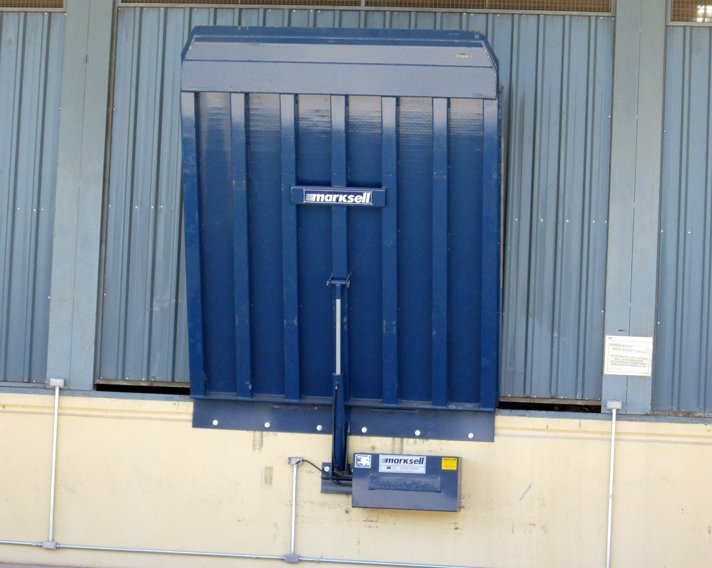 Compro Plataforma Niveladora de Doca Eletro-hidráulica Frontal   Capacidade de carga: 6000kg, 9000kg e 12000kg