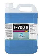 Compro F-700K Azul- adesivo azul utilizado na colagem de tecidos em poliéster, nylon e aço esticados sob altas tensões, em quadros de alumínio, madeira e ferro. Os agentes de cobertura em sua formulação fazem do seu uso também para acabamento lateral da tela.