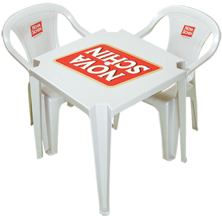 Conjunto de mesas e cadeiras
