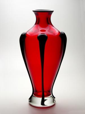Compro Ânfora T-Vermelho com detalhes em preto