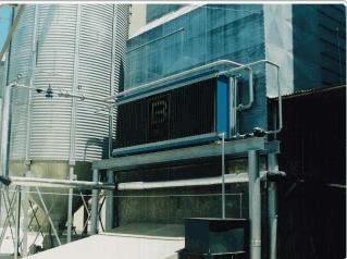 Compro Sistema de secagem de grãos benecke, utiliza vapor como fluido de aquecimento e contém um sistema de automação para maior eficiência no processo de secagem do grão.