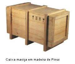 Caixa maciça de madeira