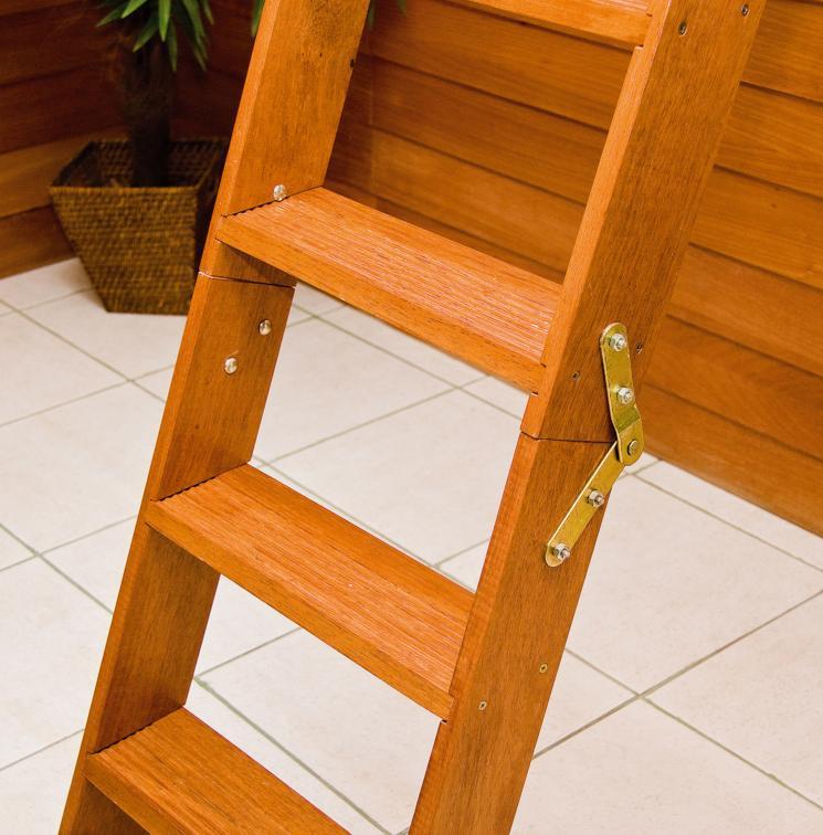 Compro Escada de madeira