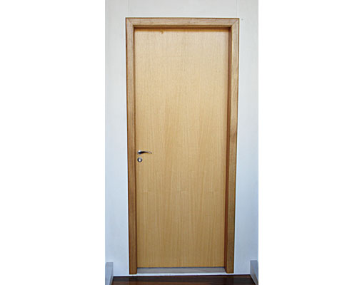 Compro Portas em madeira