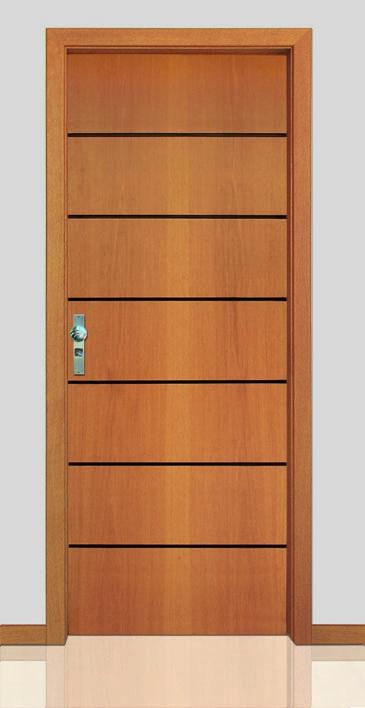 Porta frisada em madeira