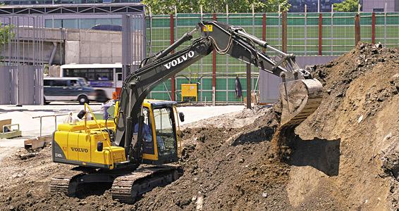 Compro Escavadeiras de esteiras EC140B Prime