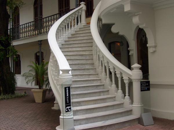 Compro Escada em granito