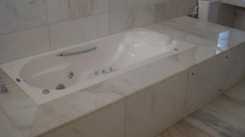 Compro Banheiros em marmore