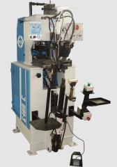 Ayakkabıların üretimi için dikiş makineleri