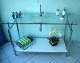 Bancada de vidro com cuba moldada