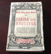 Livro Poeiras de branco