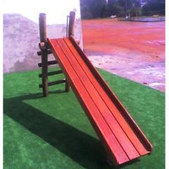 Playground de Madeira Escorregador
