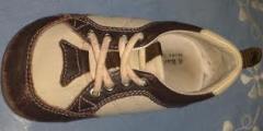 Sapatos em couro infantil