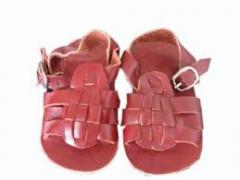 Sapatos infantil em couro