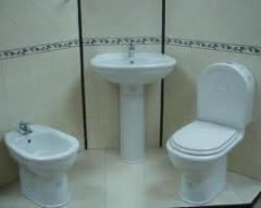 Banheira, chuveiro, bidé, sanitas