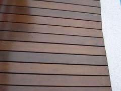 Tabuas de madeira dura
