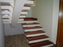 Materiais para escadas e interiores