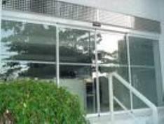 Fachadas em vidro temperado