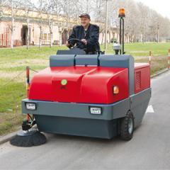 Varredora a diesel para grandes áreas