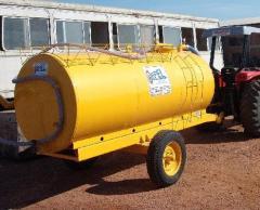 Tanque-pipa rebocável
