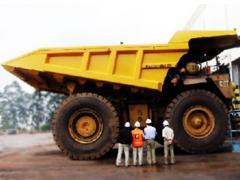 Caçamba com capacidade de 252 toneladas