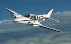 Avião Baron 58TC