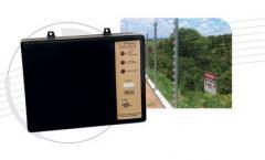 Eletrificador industrial com alarme para cercas elétricas.