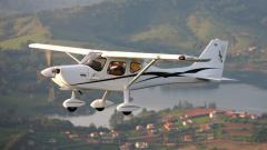 Avião Excel Cargo
