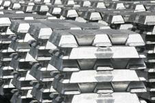 Lingotes de alumínio ligado
