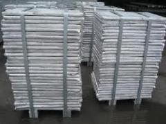 Alumínio com pureza de 99,7 % Al.