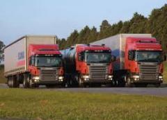 Caminhões para diversos tipos de transportes.