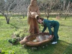 Esculturas para jardins e interiores.