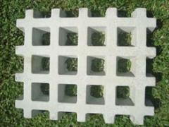 Pisograma de concreto (concregrama) .