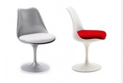 Cadeira Saarinen sem braço.