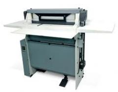 Máquina de acabamento para industria gráfica.