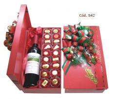 Caixa com vinho ou champagne