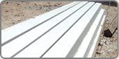Мourões pré-moldados de concreto