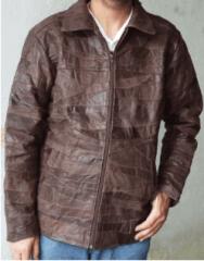 Jaqueta de couro legitimo masculina em retalhos .