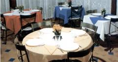 Toalhas de mesa fornecidas pelo sistema de locação