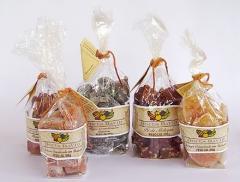 Frutas cristalizadas e doces em cubinhos