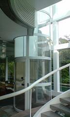 Elevadores para instalação externa em vidro.