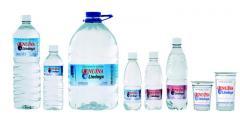 Agua mineral de extrema leveza