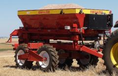Distribuidores de Fertilizantes Linha F - 5000