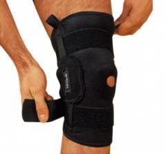 Órtese para joelho com dobradiças metalicas