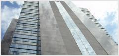 Pele de vidro - Com painéis encaixilhados
