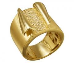 Anel ouro amarelo com diamantes brilhantes