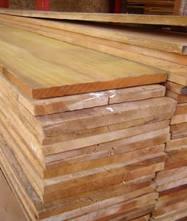 Tábuas para construção de Pinus
