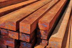 Caibros em madeira